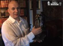 Codrin Stefanescu, colectionarul/captura video.JPG