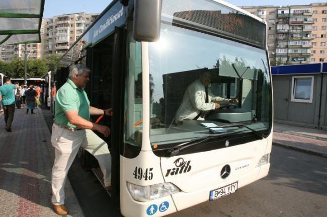 RATB: Tichetele de călătorie vor fi verificate la urcarea în mijloacele de transport