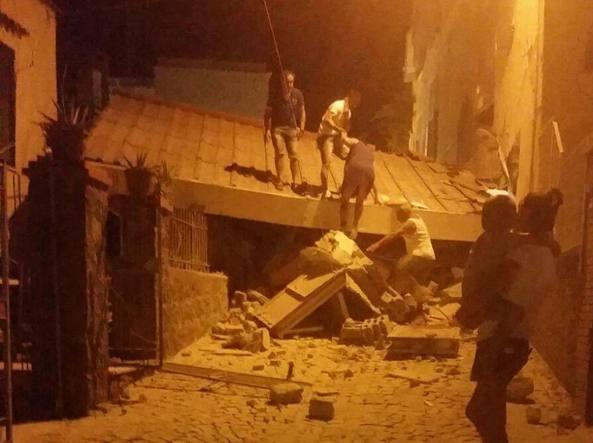 CUTREMUR în Italia: Doi morţi şi zeci de răniţi