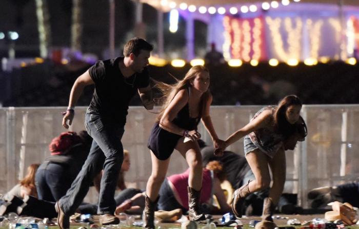 UPDATE Atac ARMAT în Las Vegas. Cel puţin 50 de morţi şi 400 de răniţi