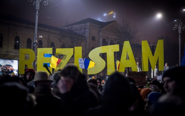 Atac FĂRĂ PRECEDENT la adresa protestatarilor: 'O adunătură de idioţi...'