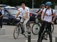 iohannis-bicicleta-768x512.jpg