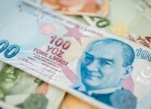 746450-1533967850-lira-turceasca-in-picaj-dupa-o-postare-a-lui-donald-trump-pe-twitter.jpg