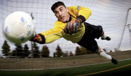 soccer-673599-1920.jpg
