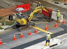 excavators-391143-1920.jpg