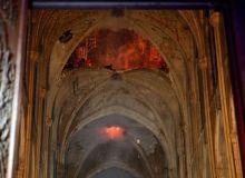catedrala-notre-dame-incendiu.jpg