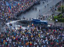 10-august-2018-Gaze-Lacrimogene-la-Protestul-din-Piata-Victoriei-Foto-Octav-Dragan-EUROPAFM.RO-0045.jpg