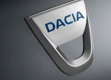 dacia-logo-wallpaper-465x215.jpg