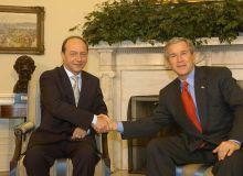 800px-Traian_Basescu_meets_George_W._Bush_2005March09-768x488.jpg